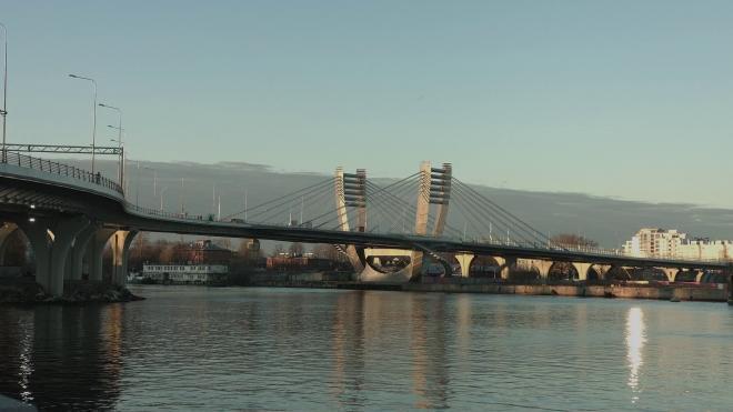 Неизвестный сорвался с моста Бетанкура в Петербурге