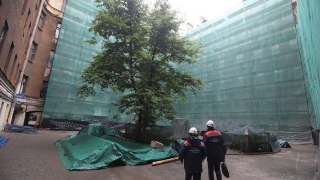 В Петербурге отремонтируют фасад дома №26 на Моховой улице