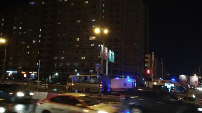 Маршрутка сбила пенсионерку на Ириновском проспекте