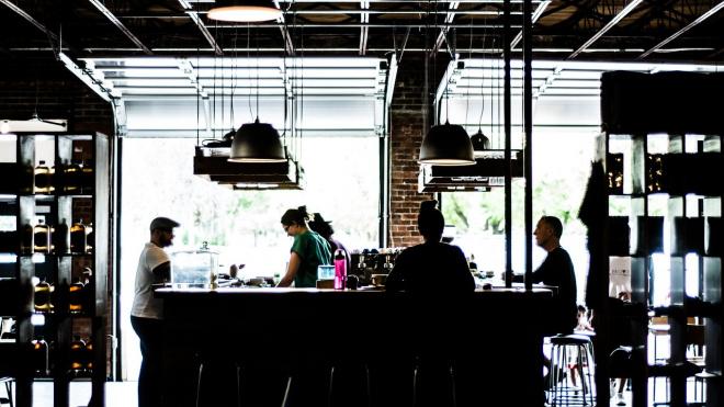 В Ленобласти предприниматели отказываются от розлива алкоголя в торговых точках в ночное время