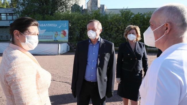 Губернатор Беглов проинспектировал два пансионата, используемых для борьбы с коронавирусной инфекцией