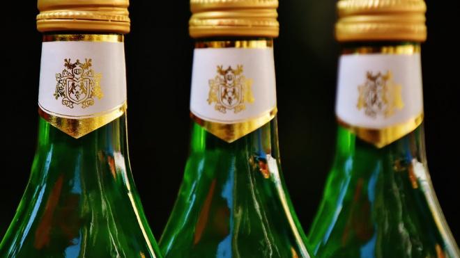 Петербуржец заплатит 250 тысяч рублей за незаконную продажу алкоголя