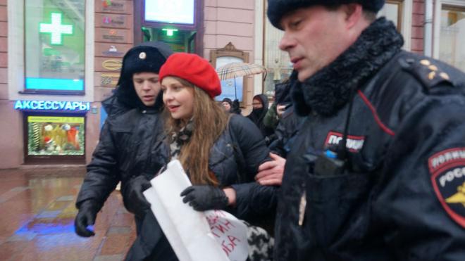Задержаны еще двое пикетирующих в Петербурге