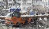 Поваленное ветром дерево раздавило микроавтобус во дворе на Вавиловых