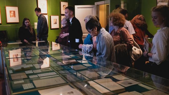 В Петербурге заработала выставка к 40-летию Музея-квартиры А. А. Блока