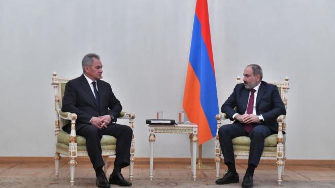 Шойгу назвал поддержание мира в Карабахе одним из приоритетов России