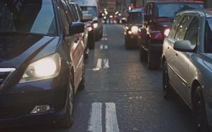 Продажи автомобилей в Петербурге продолжают падать второй месяц подряд