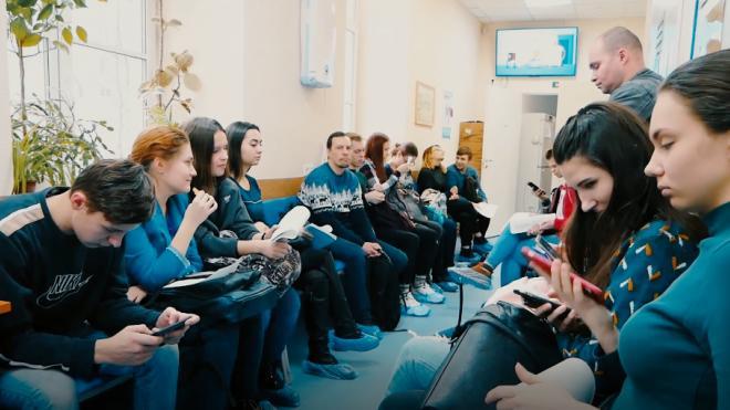 """До конца года все петербургские поликлиники станут """"бережливыми"""""""