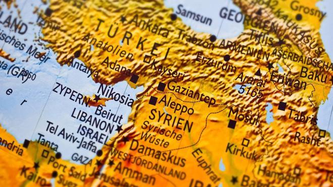 В Сирии при обстреле БТР получили ранения трое российских военных