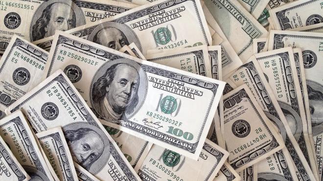 Иностранец на Невском проспекте лишился 10 тыс. долларов