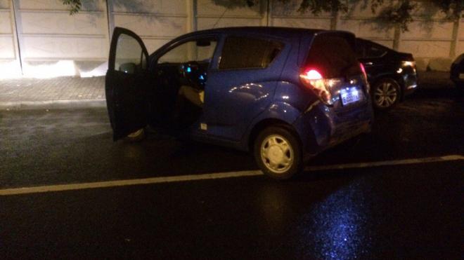 На Клочковом переулке пьяный автомобилист специально задел беременную женщину