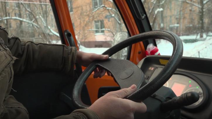 С начала зимы в Ленобласти от наледи очистили 410 тысяч километров трасс