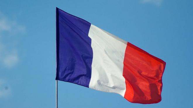 Президент Франции Макрон сдал положительный тест на коронавирус
