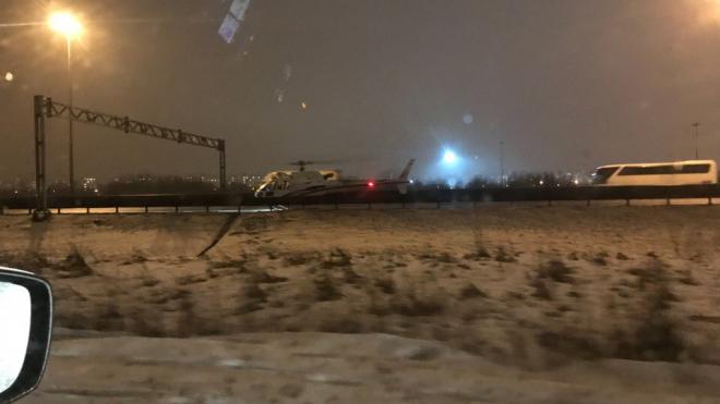 На место массового ДТП прилетел вертолёт