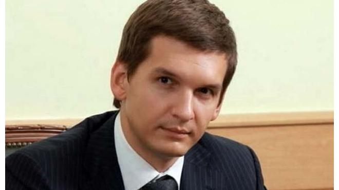 Медведев уволил главу Рособрнадзора из-за скандалов с ЕГЭ