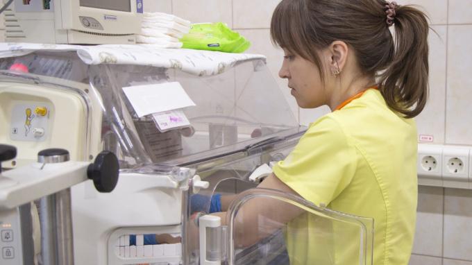 Медсестры во Всеволожском районе принимают преждевременные роды