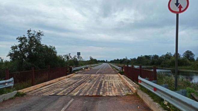В Свирице за день отремонтировали 2 моста