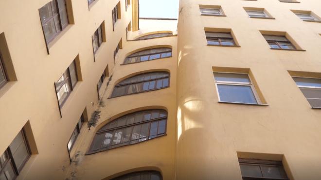 Жильцы дома на Зверинской вернулись в отремонтированные квартиры