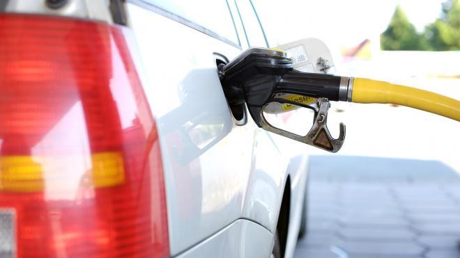 В Минэнерго объяснили рост цен на бензин при дешевеющей нефти