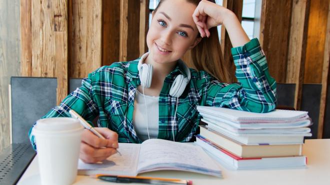 Выборгские ученики выпускных классов написали итоговое сочинение