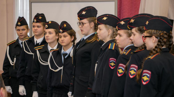 """В Выборге открылся школьный музей """"Связь поколений"""""""
