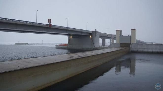 Движение по тоннелю петербургской дамбы ограничат с 25 января