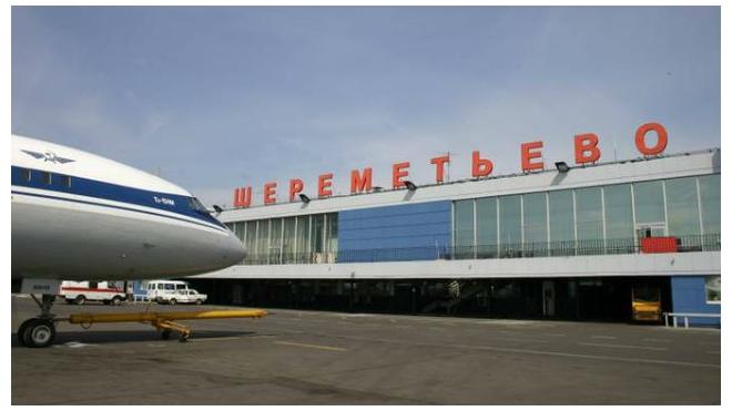"""В «Шереметьево» сгорел самолет. Прокуроры проверят """"Аэрофлот"""""""