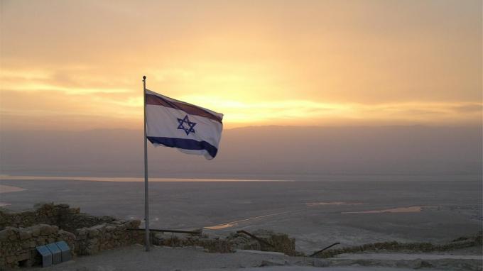"""СМИ: Израиль атаковал российские самолеты Ил-76, которые летели с авиабазы """"Хмеймим"""""""