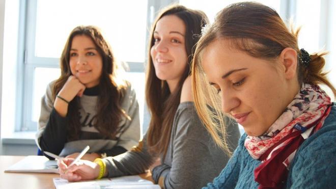 В петербургских школах введут систему адаптации для детей иностранцев