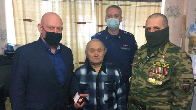 Пенсионер из Тихвина спустя 44 года узнал, где похоронен его отец, ушедший на фронт