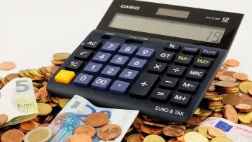 Средний счет коммунальных платежей за ноябрь 2018 года составил 4220 рублей