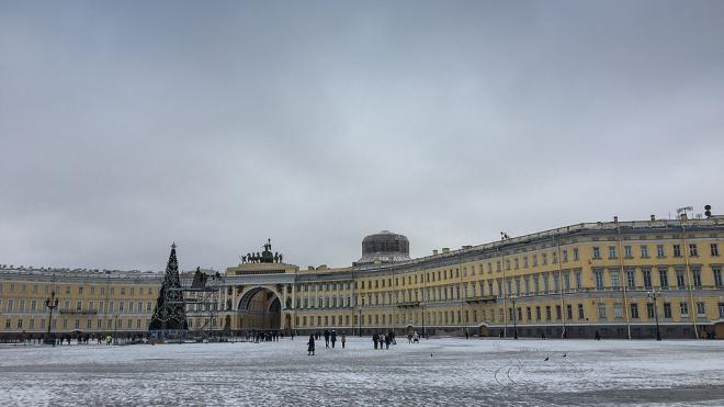 Перед Новым годом Дворцовую площадь украсит дворец изо льда