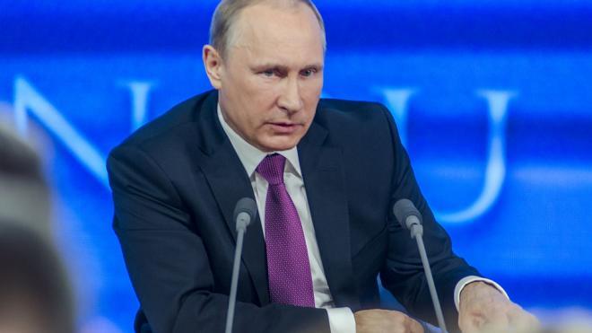 Путин отметил роль военных в борьбе с COVID-19