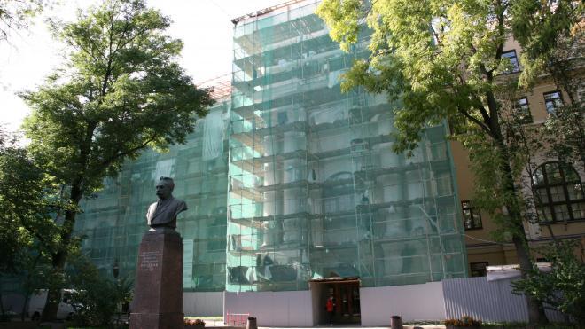 Завершается реставрация фасадов главного здания Александринской женской больницы