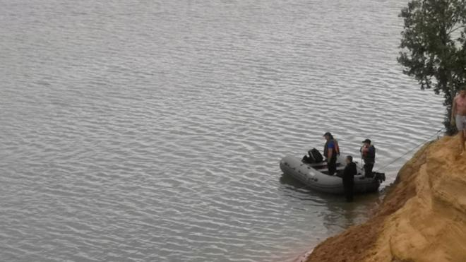 В водоемах Ленобласти ищут утонувших людей