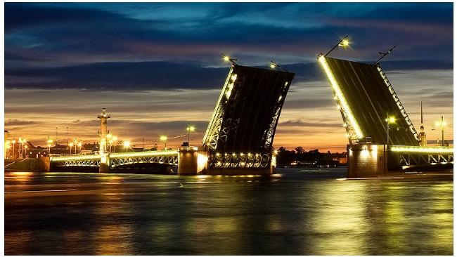 В ночь на воскресенье начнут ремонтировать Дворцовый мост