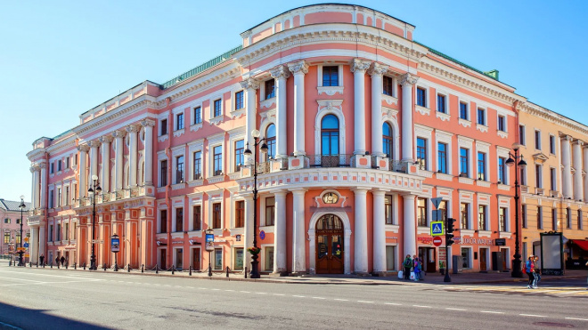 """Банк """"Санкт-Петербург"""" подал иск о банкротстве отеля на Невском проспекте"""