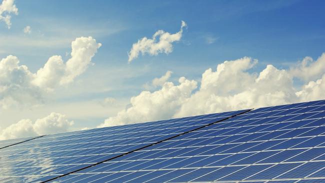 Ученые разработали мантию-невидимку для солнечных панелей
