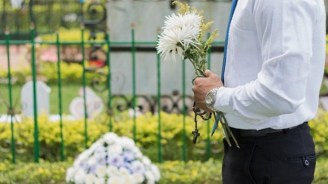 В Петербурге на прощание с умершими отведут десять минут