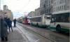 Общественный транспорт на Лиговском встал из-за столкновения двух автобусов и трамвая