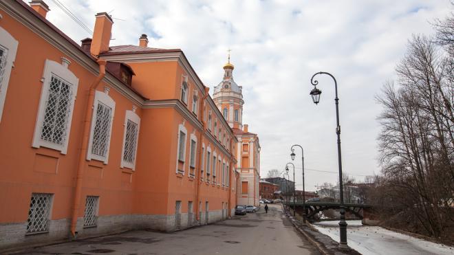 В Петербурге будет проведена реставрация семинарского корпуса Александро-Невской лавры