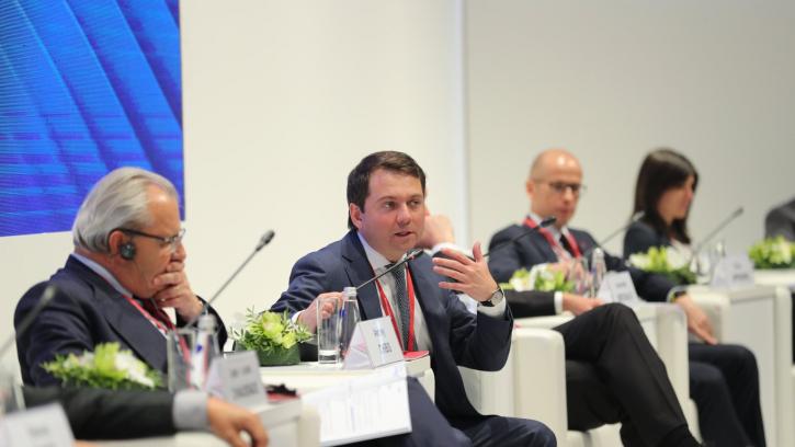 """На ПМЭФ-2018 обсудили возможности развития """"умных городов"""""""