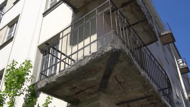 КСП Петербурга выявила, что в многоквартирных домах проводится некачественный капитальный ремонт