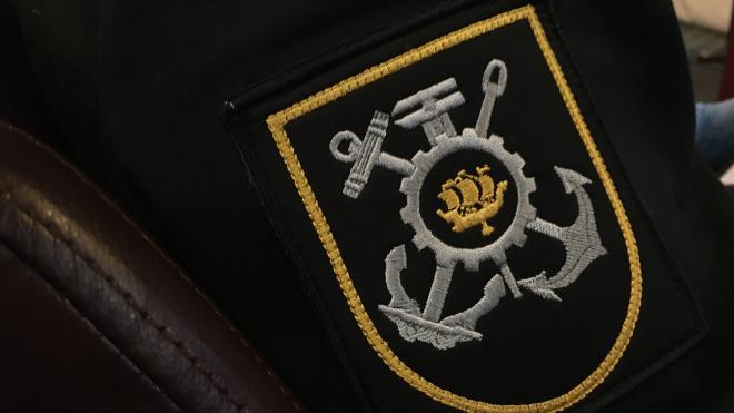 Ледокол и буксиры ЗВО проводят работы по  предотвращению наводнения в Петербурге