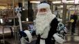 "Дед Мороз поздравил пассажиров на станции метро ""Адмирал..."