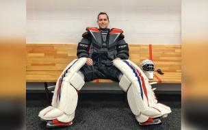 Кержаков хочет стать хоккейным вратарем