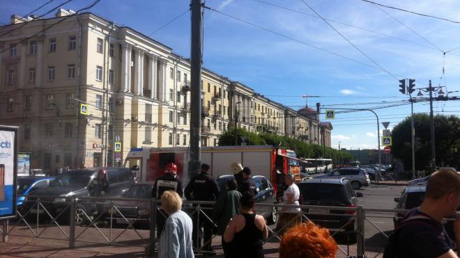 На Площади Ленина вспыхнул и задымился фонарный столб