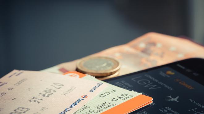 В Пулково рецидивист попросил мужчину купить ему билет до Читы и не вернул деньги