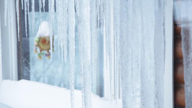 Георгий Полтавченко пообещал увольнять глав районов за падение сосулек следующей зимой