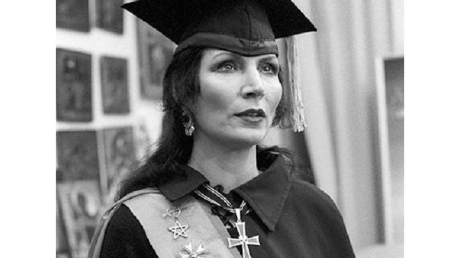 В Москве умерла Джуна Давиташвили: целительницу похоронят рядом с сыном